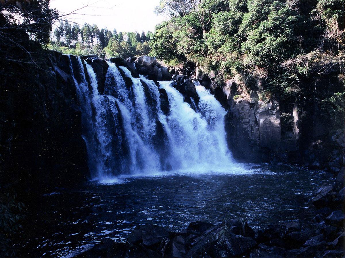 Sekinoo Falls_1